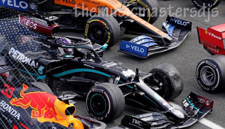 ลูอิสแฮมิลตัน ชนะการแข่งขันรายการ British Grand Prix อันดับที่เจ็ดแม้จะจบลงอย่างน่าทึ่งที่ซิลเวอร์สโตนที่เห็นทั้งเขาและเพื่อนร่วมทีม Valtteri Bottas