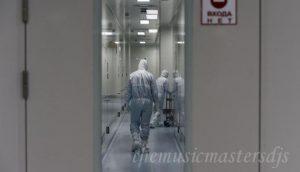 วัคซีน ของปูตินได้รับการต่อต้านจากคนงานแนวหน้าในรัสเซีย