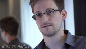 Edward Snowden ตกลงที่จะสละเงินมากกว่า 5 ล้านเหรียญ