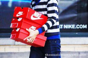 Nike พุ่งขึ้น 8% หลังยอดขายบล็อกบัสเตอร์
