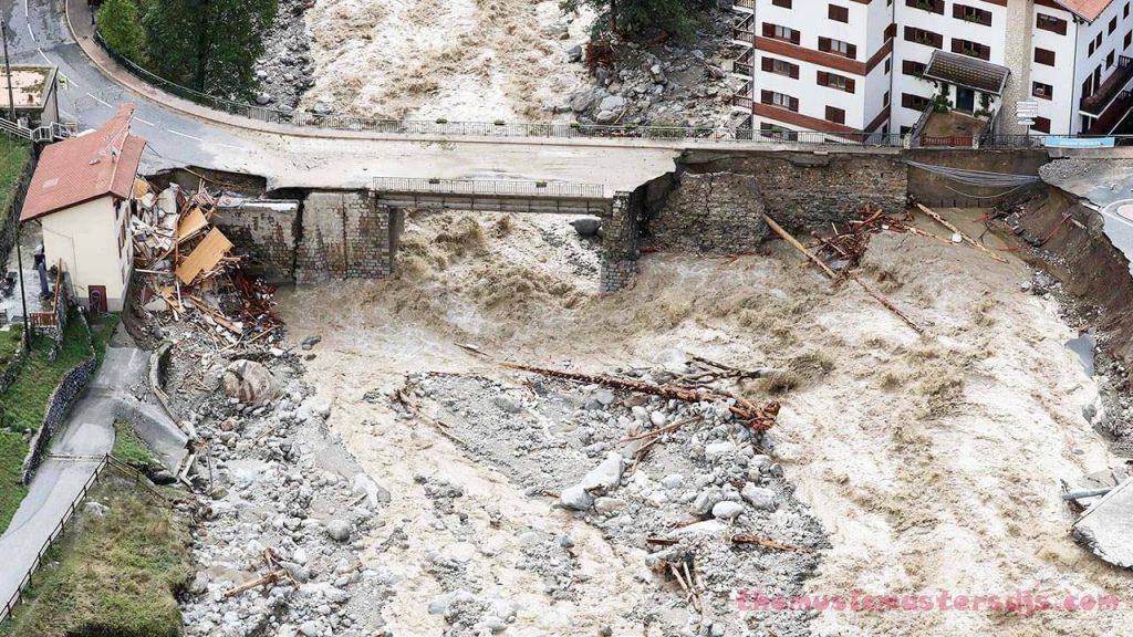 ฝรั่งเศสอิตาลี น้ำท่วมกวาดศพออกจากสุสาน งานที่น่ากลัวในการค้นหาผู้ประสบภัยน้ำท่วมในหมู่บ้านอัลไพน์และบนชายฝั่งฝรั่งเศสและอิตาลี