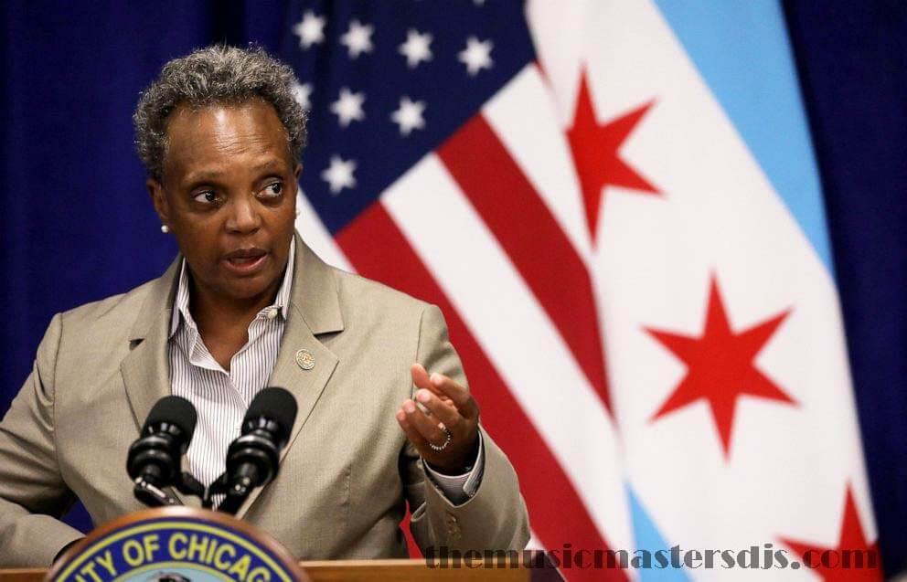 ชิคาโก ประกาศข้อ จำกัด COVID-19 ใหม่ คำแนะนำการอยู่บ้านมีผลบังคับใช้ในวันจันทร์เป็นเวลา 30 วัน Lori Lightfoot นายกเทศมนตรีเมืองชิคาโกประกาศ