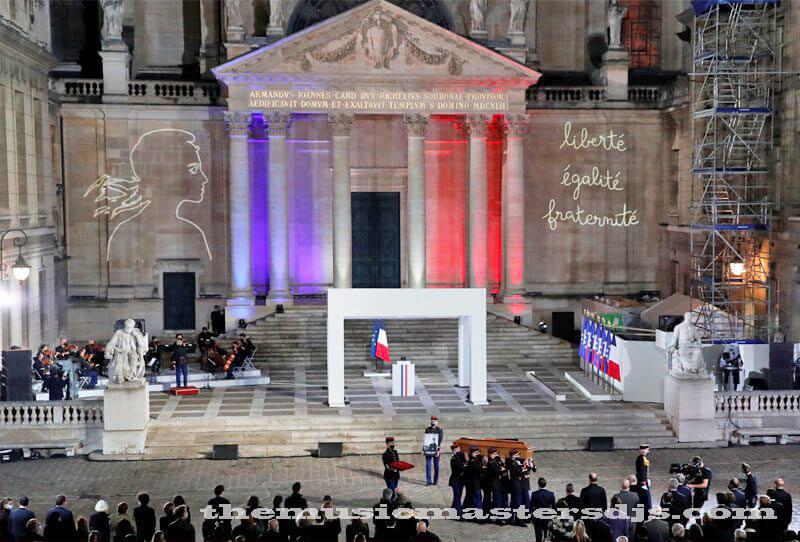 คริสตจักรฝรั่งเศส ให้เกียรติเหยื่อโจมตีนีซ 6 ถูกควบคุมตัว คริสตจักรทั่วฝรั่งเศสจัดงานวันอาทิตย์เพื่อเคารพผู้ต้องสงสัย 3 คนที่เสียชีวิตจากการ