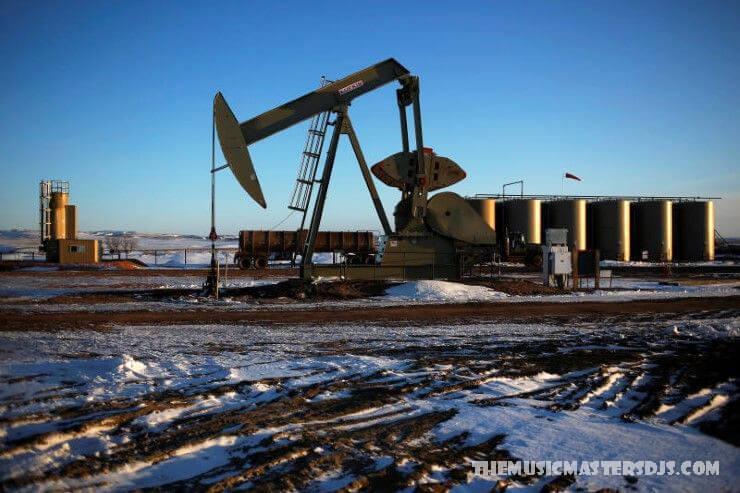 สหรัฐฯวางแผนขายน้ำมัน และก๊าซให้เช่า ในที่หลบภัยในอาร์กติก สำนักงานจัดการที่ดินของสหรัฐฯมีแผนจะขายสัญญาเช่าน้ำมันและก๊าซสำหรับที่หลบภัยสัตว์