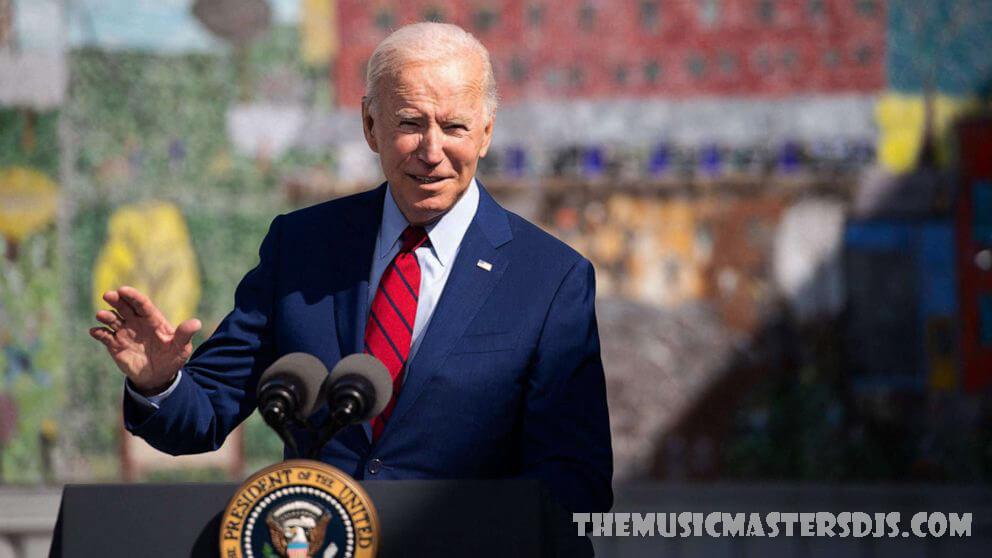น้ำเสียงที่เข้มงวดขึ้นของ Biden เกี่ยวกับคำสั่งวัคซีน ทำให้เกิดฟันเฟือง GOP ประธานาธิบดีโจไบเดนใช้น้ำเสียงที่เข้มงวดที่สุดของเขา