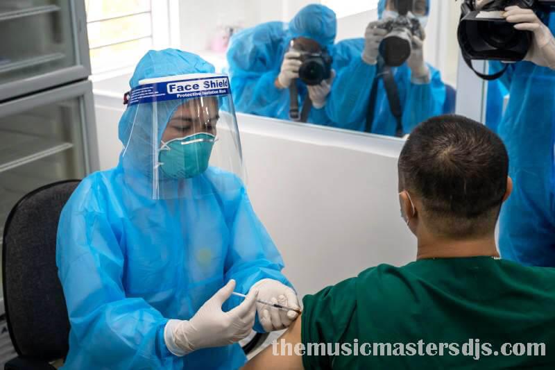เวียดนามเร่งขับเคลื่อนวัคซีนฮานอยในช่วงสุดสัปดาห์ รัฐบาลเวียดนามกำลังเร่งโครงการฉีดวัคซีนเพื่อพยายามคลายข้อจำกัดการล็อกดาวน์coronavirus