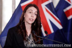 นิวซีแลนด์ตั้งเป้าฉีดวัคซีน 90% ยุติล็อกดาวน์